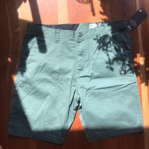 NWT Men's Green Frickin Modern Volcom Shorts